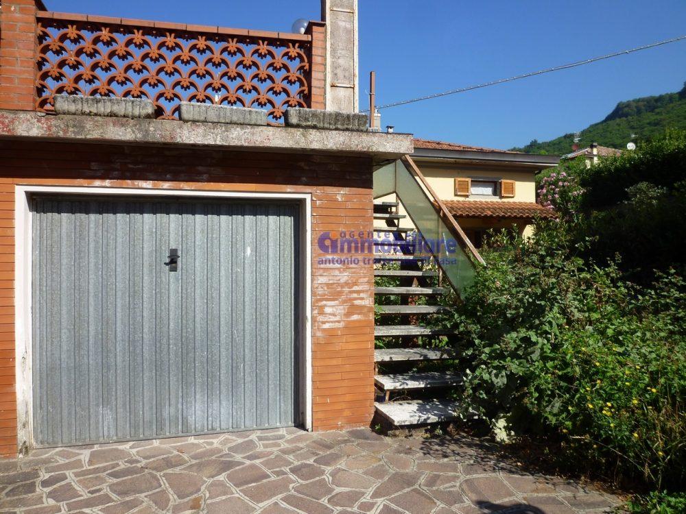 pistoia cireglio vendita casa indipendente giardino garage 10 cor