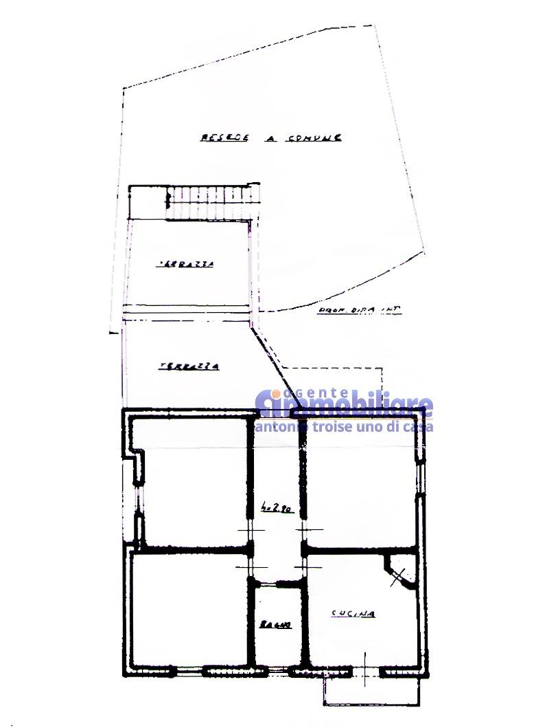pistoia cireglio vendita casa indipendente giardino garage 17