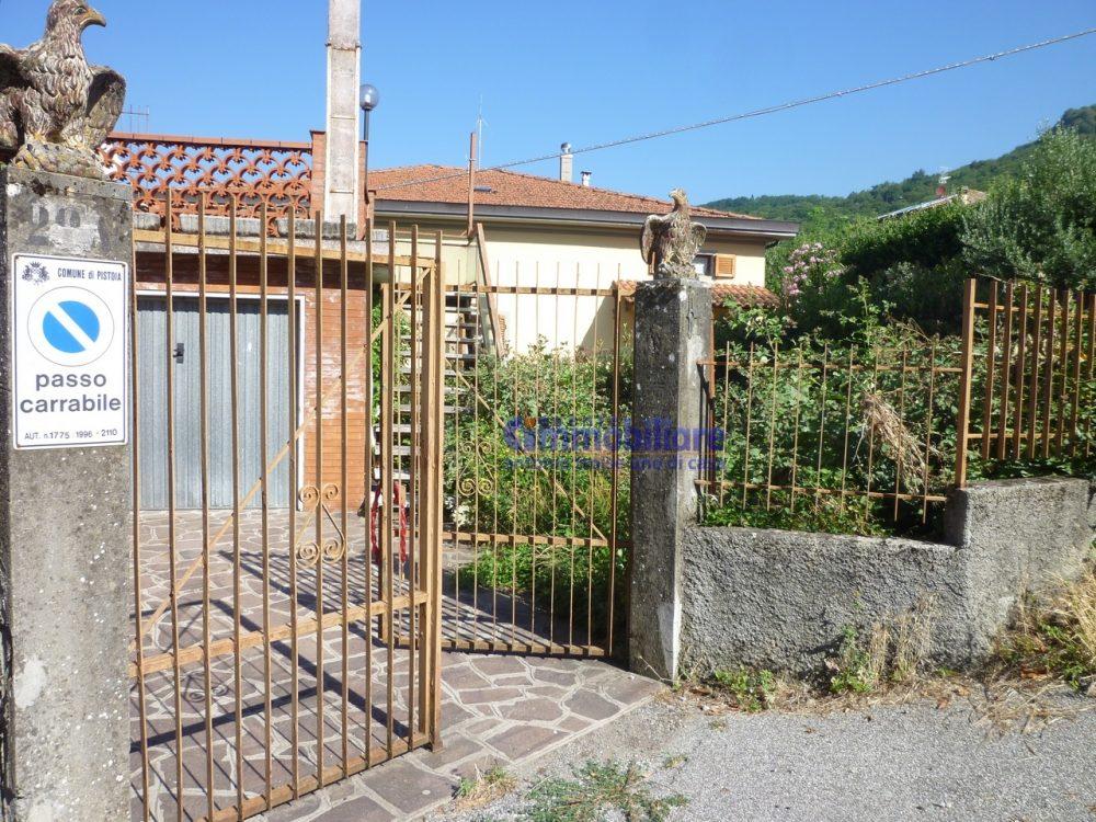 pistoia cireglio vendita casa indipendente giardino garage cor