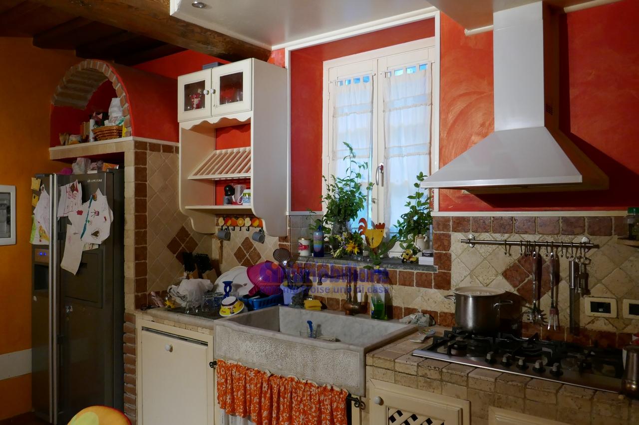 Pistoia nord piteccio vendita casa indipendente da terratetto ristrutturata garage troise - Case in vendita pistoia giardino ...