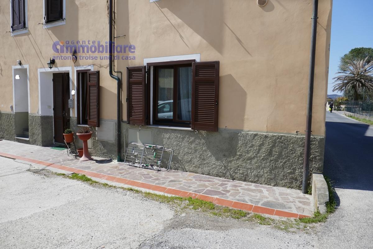Pistoia sud vendita appartamento piano terra indipendente for Ponte intorno alla casa
