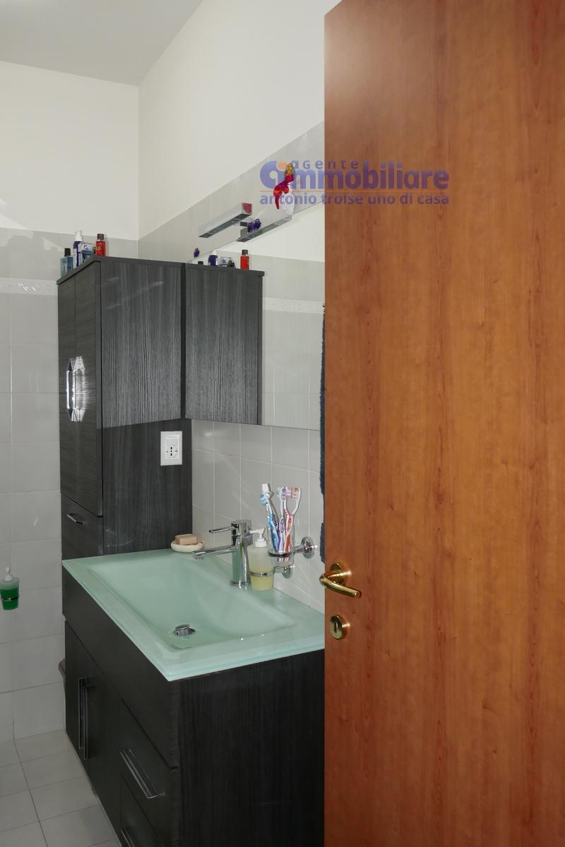 Masotti vendita appartamento con camino 4 vani 2 bagni for Garage con soffitta
