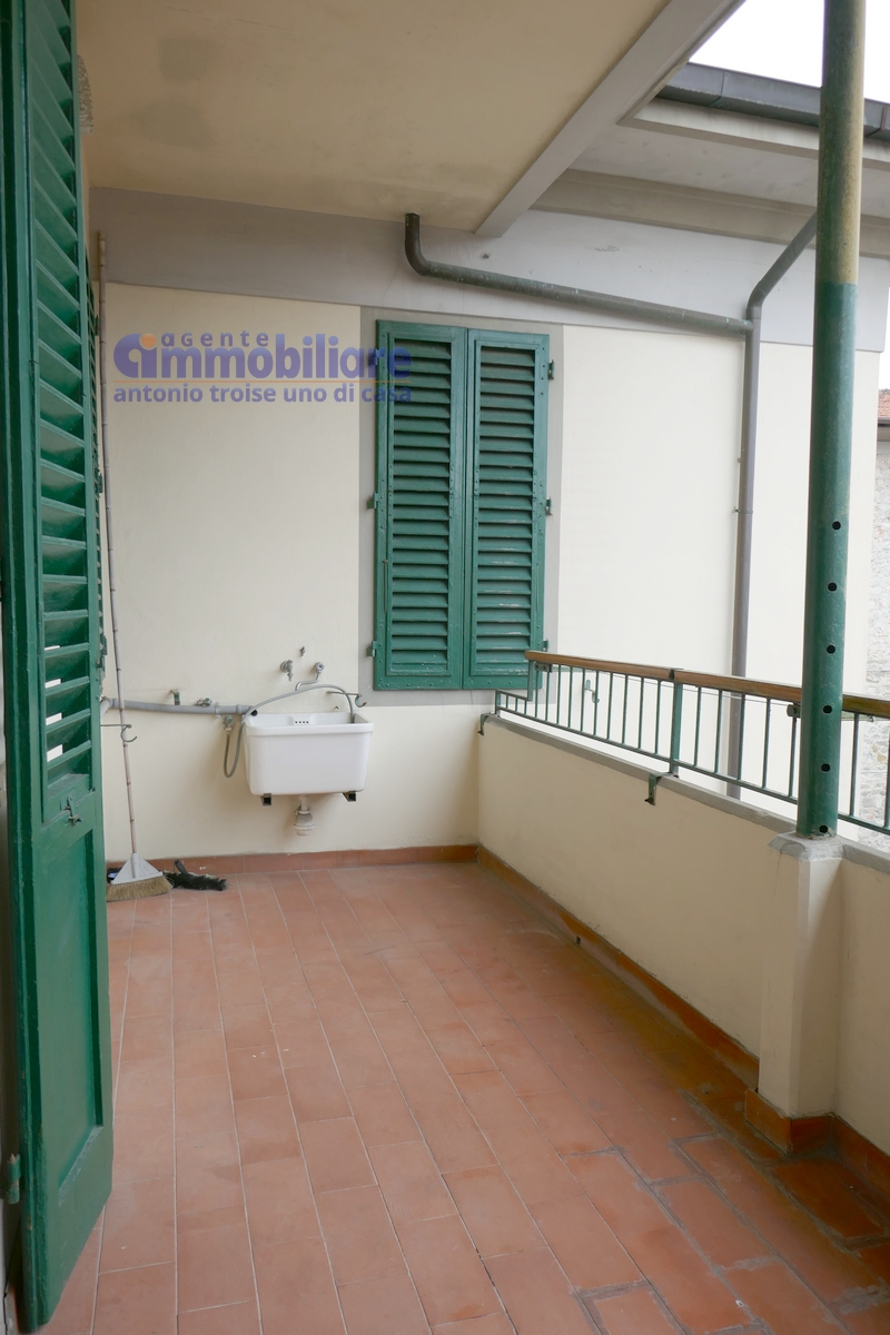 vendesi appartamento con garage mansarda terrazza abitabile pistoia centro 18