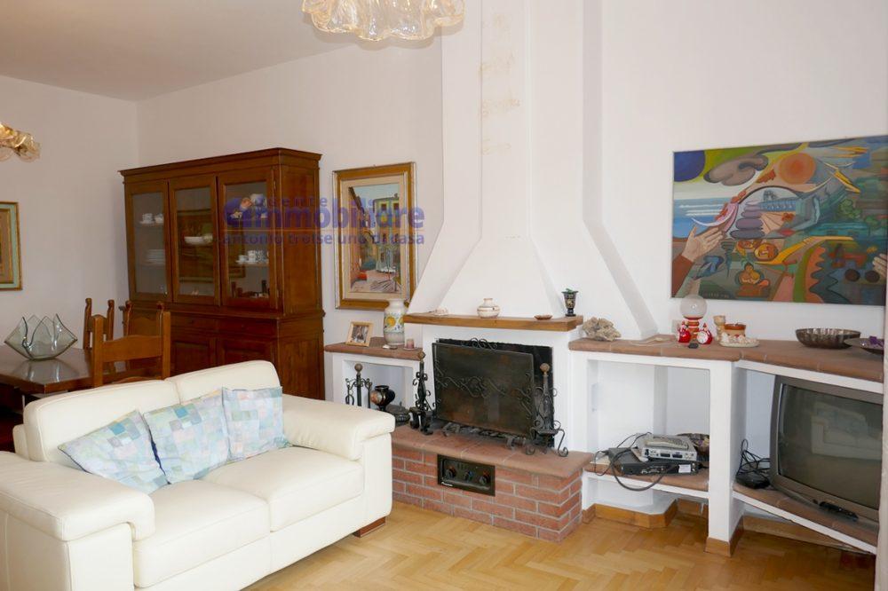 vendesi appartamento con garage mansarda terrazza abitabile pistoia centro 20