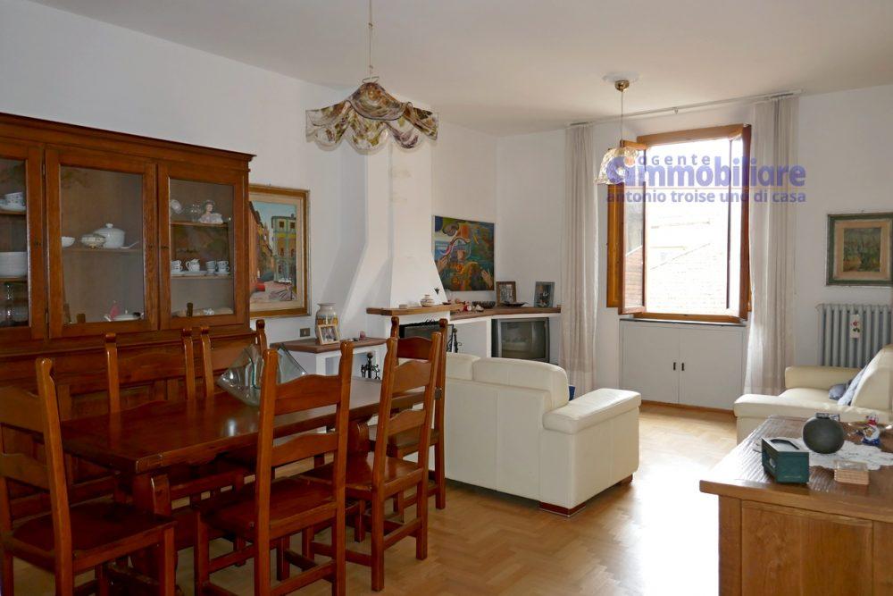 vendesi appartamento con garage mansarda terrazza abitabile pistoia centro 4