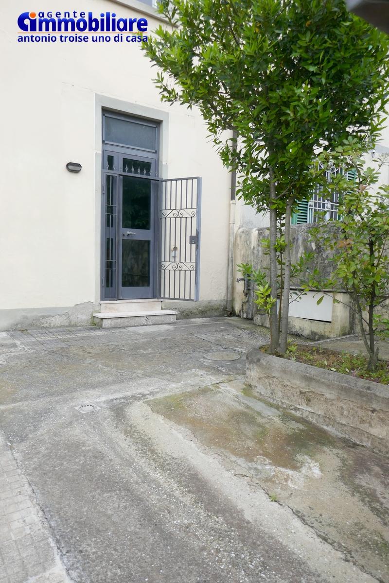 bilocale pistoia con garage e giardino orto 13