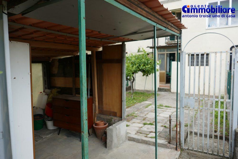 bilocale pistoia con garage e giardino orto 8
