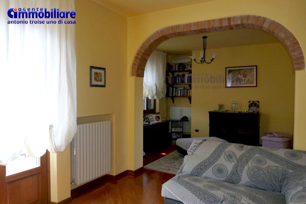 montale vendita appartamento ristrutturato panoramico luminoso 5