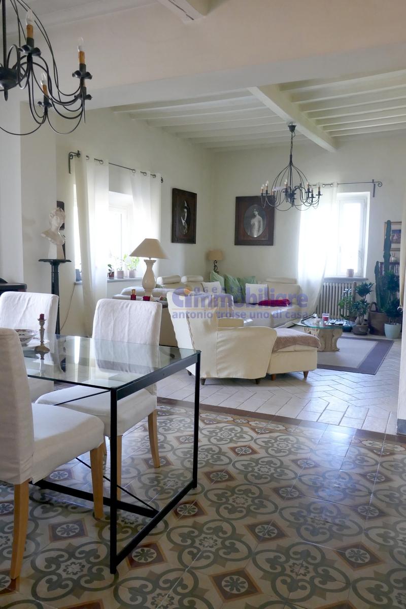 vendesi casa grande casa colonica panoramica pistoia 15