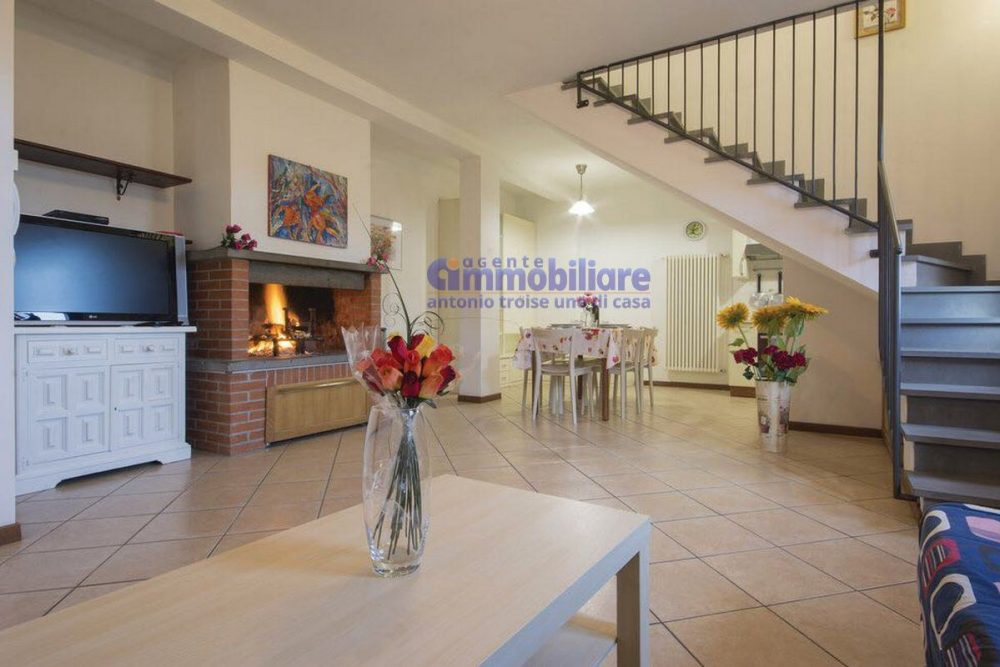 larciano Serravalle P.se vendita villetta con giardino 7