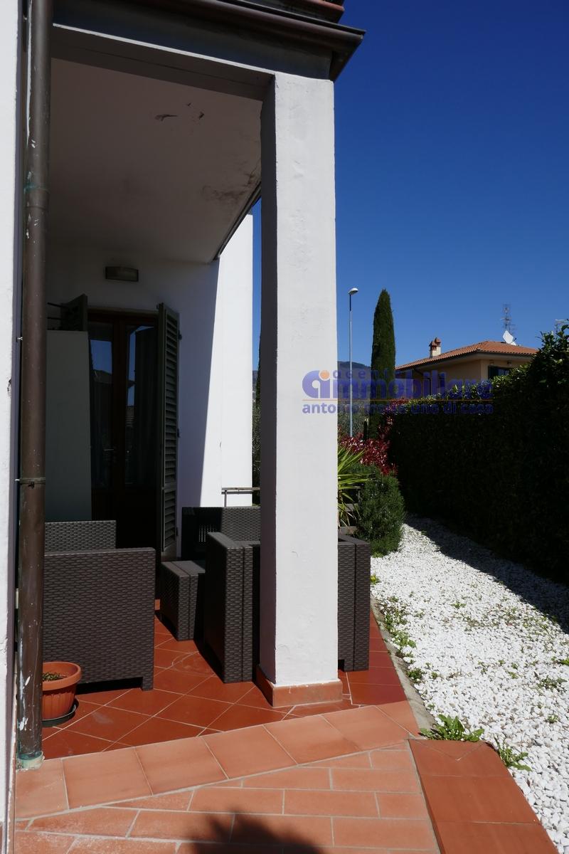 vendesi montale appartamento in bifamiliare con giardino 12