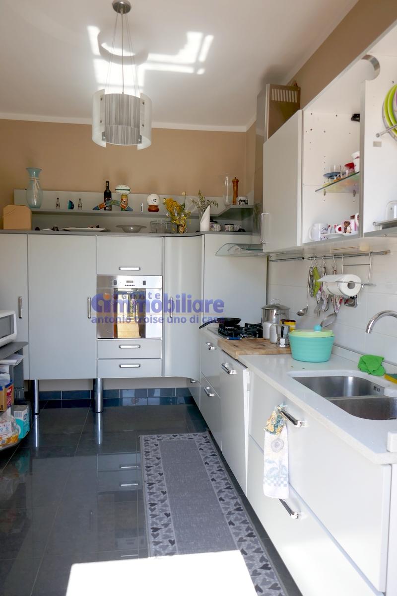 vendesi montale appartamento in bifamiliare con giardino 15