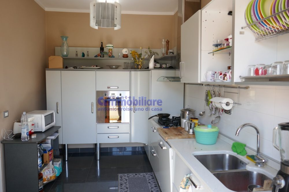 vendesi montale appartamento in bifamiliare con giardino 16