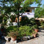 vendesi villa libera 4 lati giardino terrazza portico pistoia momigno 17