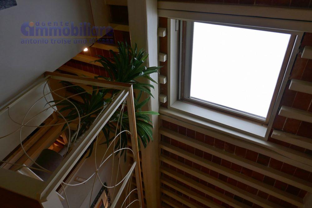 vendita pistoia centro ztl ultimo piano con ascensore 17