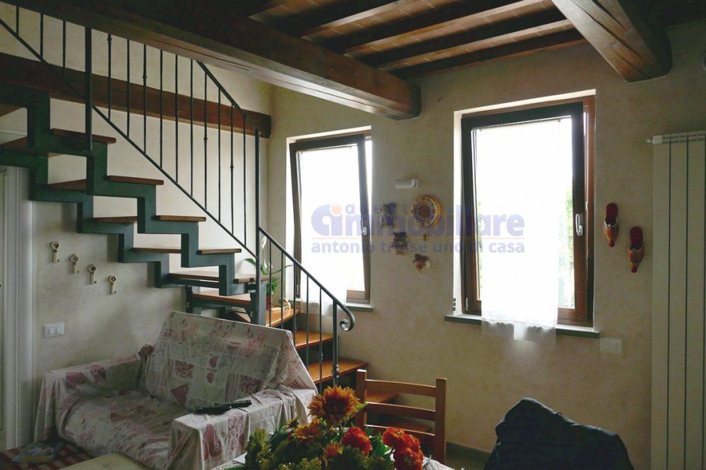 pistoia campagna appartamento su due livelli 4