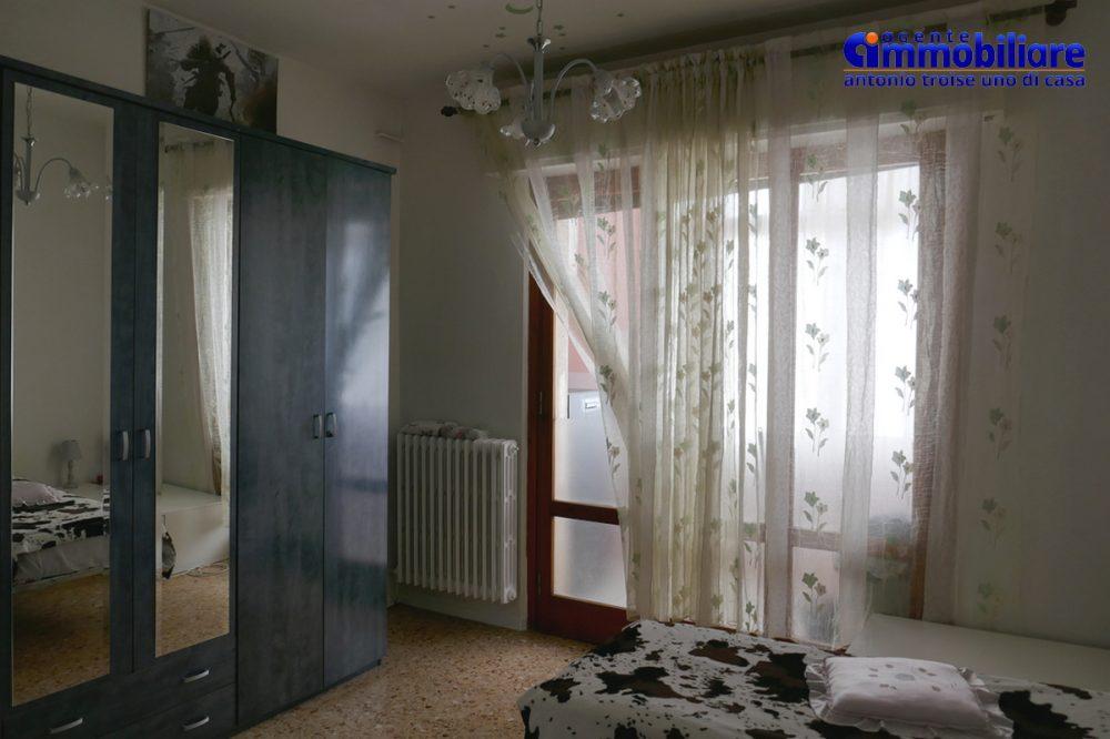 vendesi villa bifamiliare 2 appartamenti 14