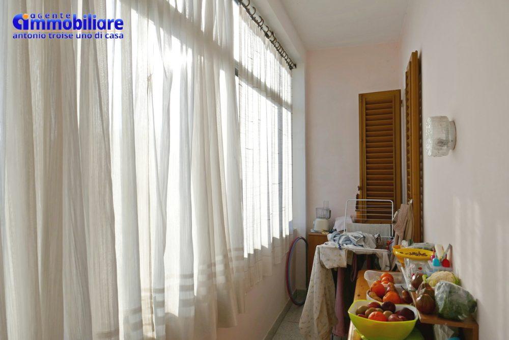 vendesi villa bifamiliare 2 appartamenti 62