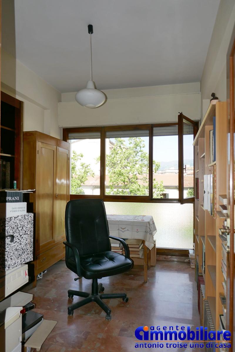 PISTOIA via ciampi vendita appartamento con garage 14